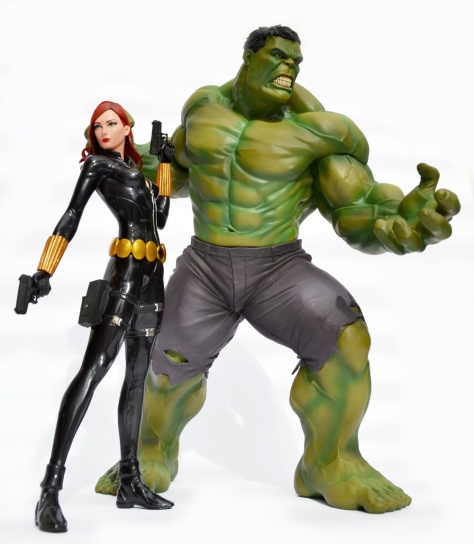 Kotobukiya's Marvel Now! Black Widow ARTFX+ statue, with The Hulk