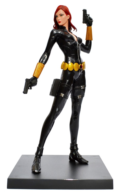 Kotobukiya's Marvel Now! Black Widow ARTFX+ statue, with base