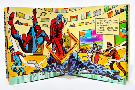 Piccolo Spider-Man pop-up book 'Attack of The Tarantula', pages 10-11