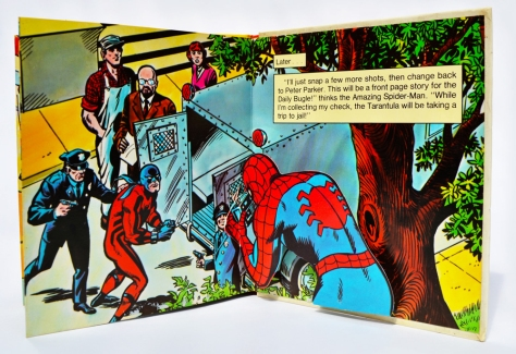 Piccolo Spider-Man pop-up book 'Attack of The Tarantula', pages 12-13