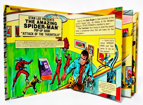 Piccolo Spider-Man pop-up book 'Attack of The Tarantula', pages 2-3