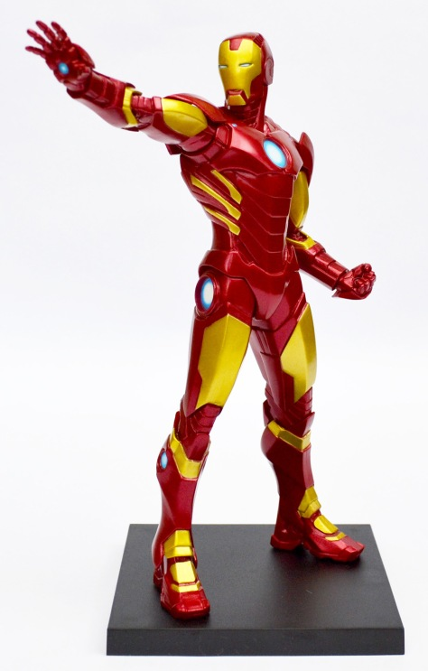 Kotobukiya's ARTFX+ Marvel Now! Iron Man statue, with base