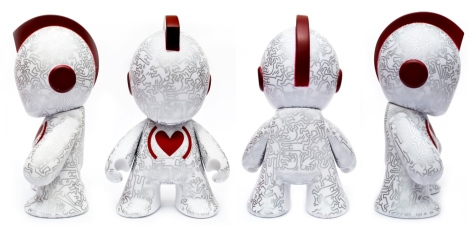 Kidrobot X Keith Haring Special Edition, all four sides