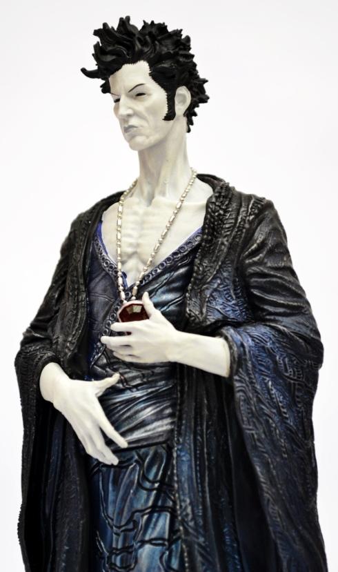 sandman-overture-statue-3