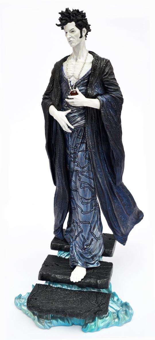 sandman-overture-statue-main