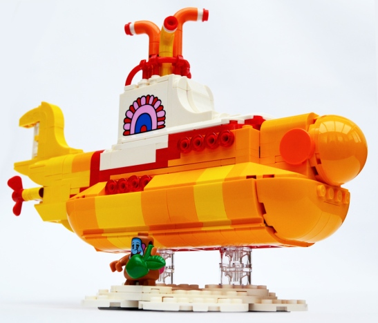 lego-yellow-submarine-1