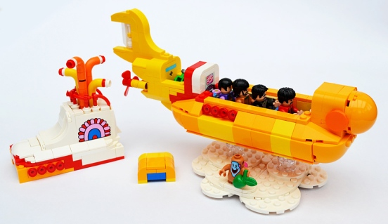 lego-yellow-submarine-2