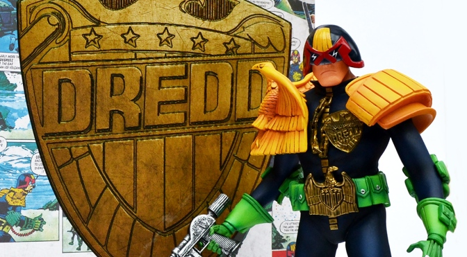 Judge Dredd statue: Mick McMahon Artist Edition